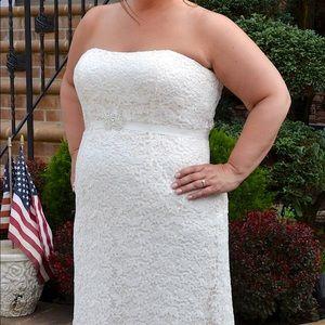 David's Bridal Ivory Wedding Gown